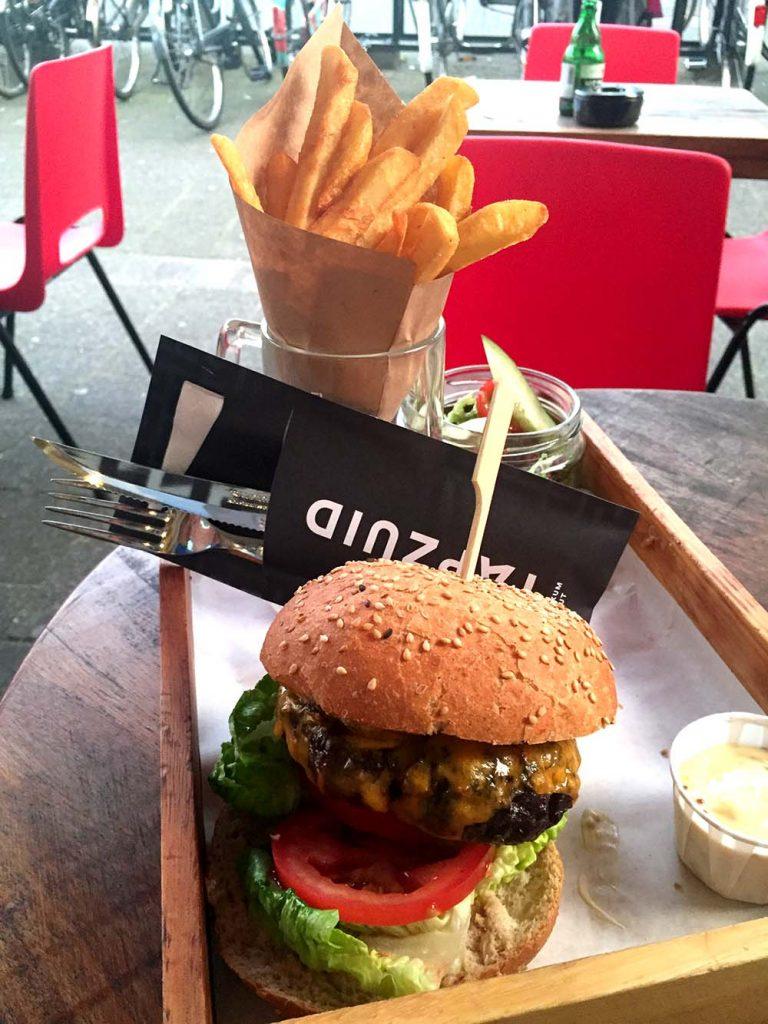 BEST BURGERS IN AMSTERDAM- tapzuid burger