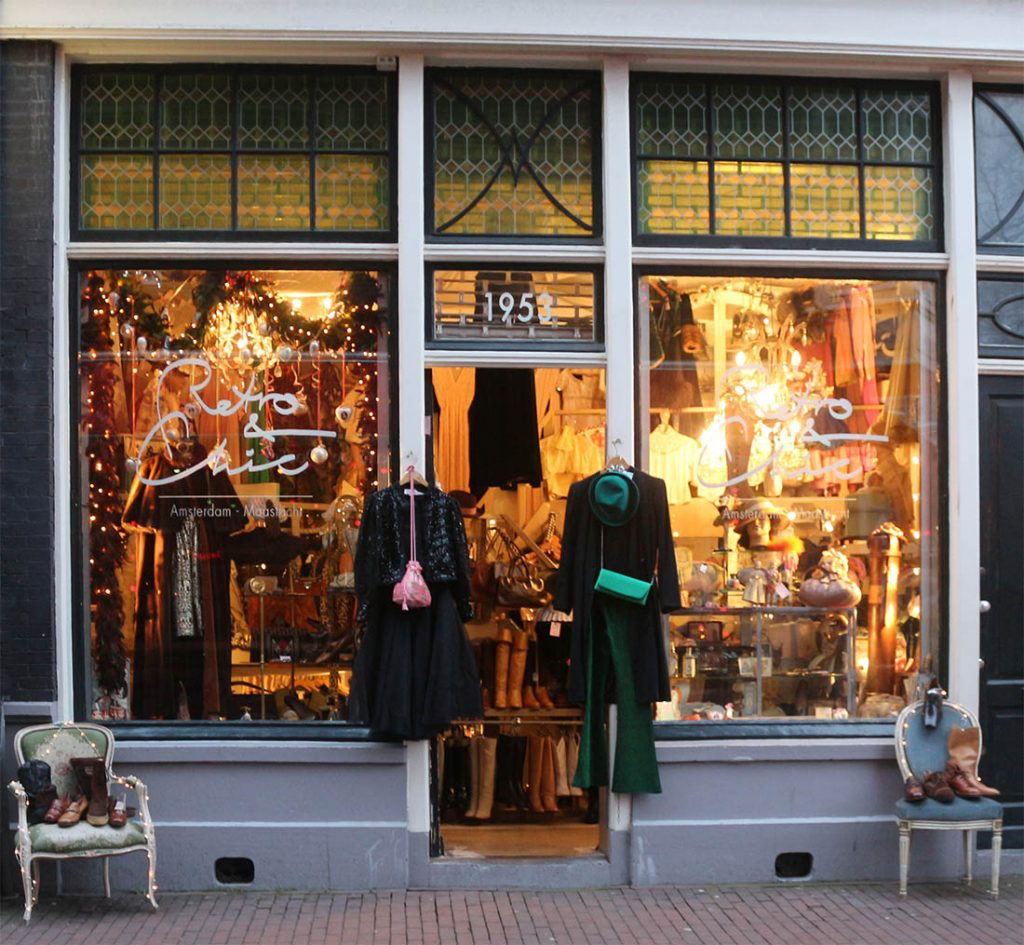 BEST VINTAGE CLOTHING SHOPPING IN AMSTERDAM :: retro chic