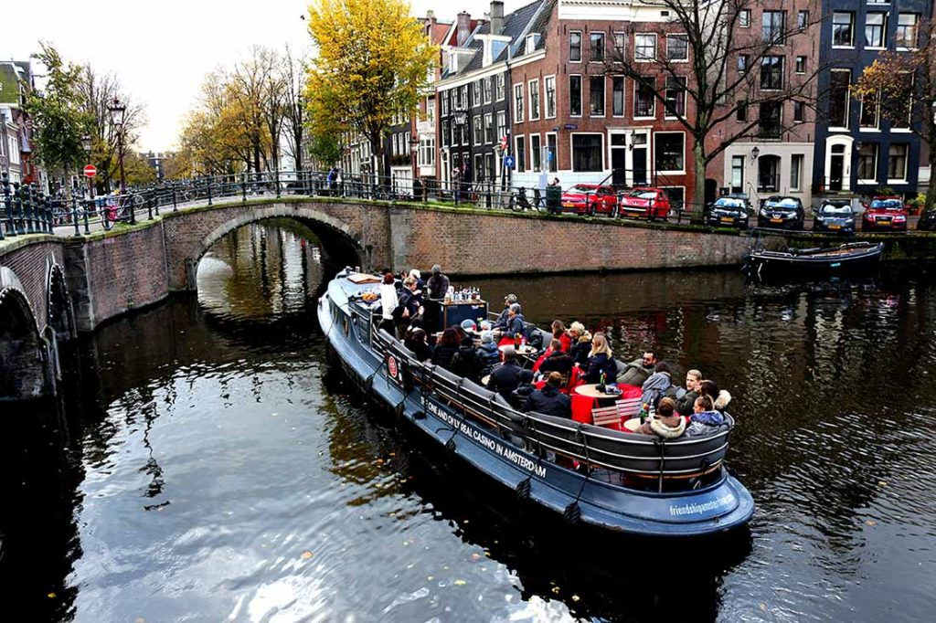 TOP CANAL BOAT TOURS IN AMSTERDAM
