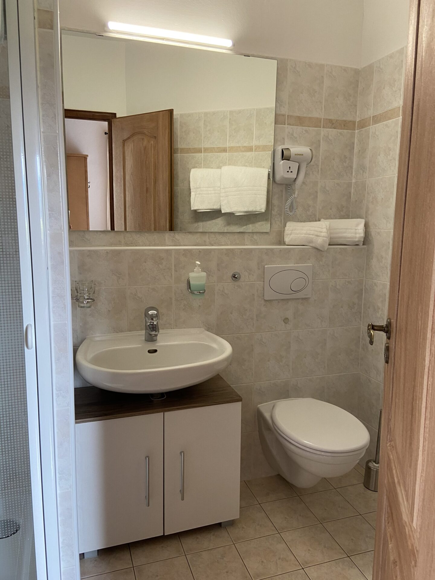 Apartment Leuchtenburg Badezimmer