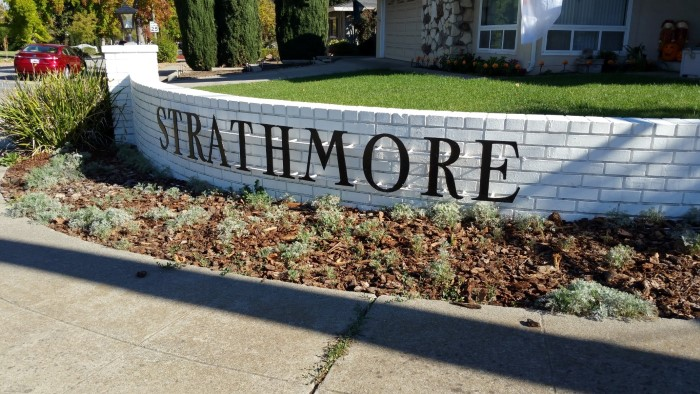Strathmore neighborhood of Los Gatos sign at entrance to subdivision