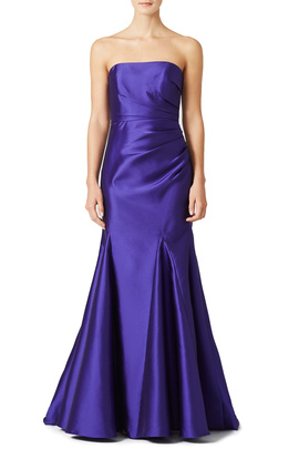 How to dress your bridesmaids in Pantone's Color of the Year, plus creative ways to use purple for your wedding decor. Get inspired and read our blog for amazing and unique ways to make this color yours!