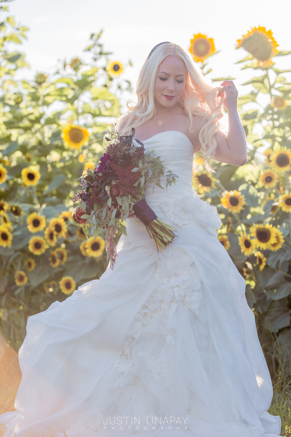 We love this boho chic ballgown and it's perfect for a garden wedding. Check out the blog to get ideas for your outdoor wedding day and download the venue guide for free!