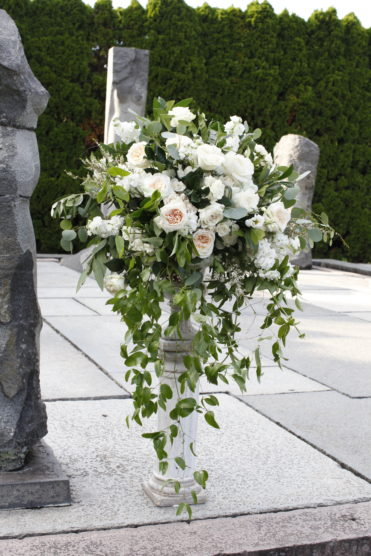 Everything you need to know about wedding flowers including trends for 2018 and how to stay under budget. Check out the advice our florists are giving brides and grooms in this blog.