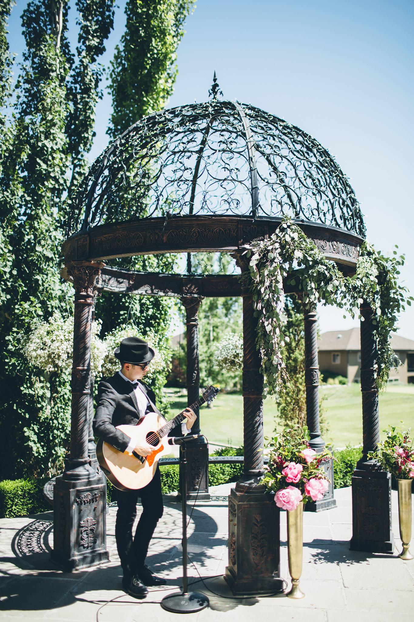ceremony set up guitarist