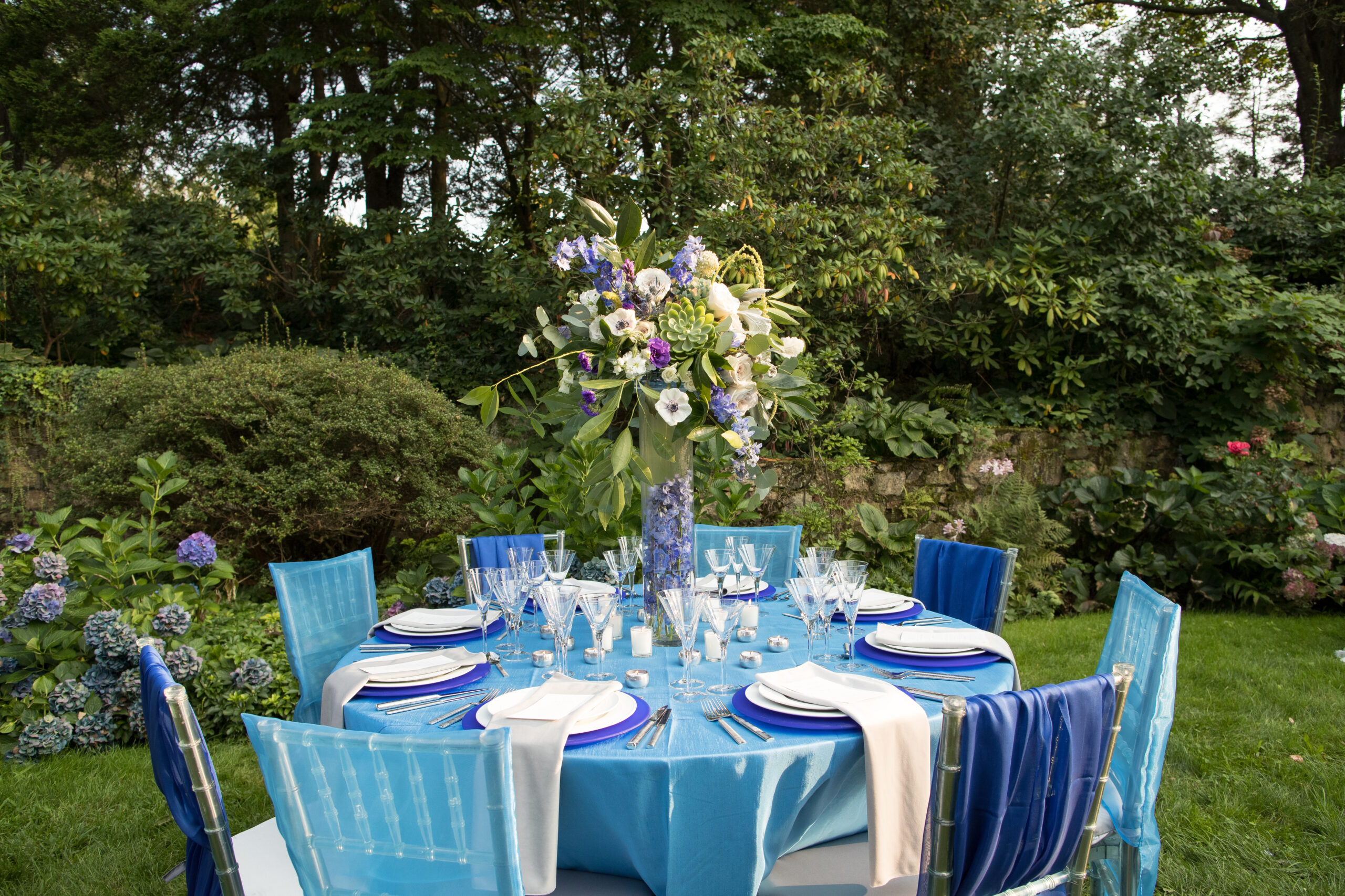 blue table outside for small wedding