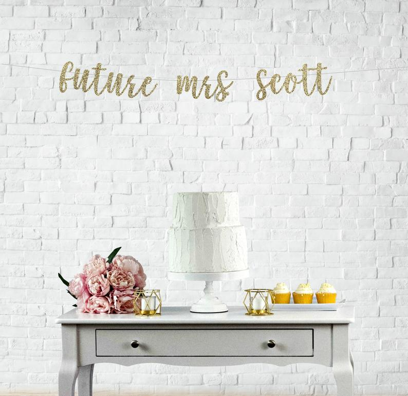 how do you decorate a bridal shower