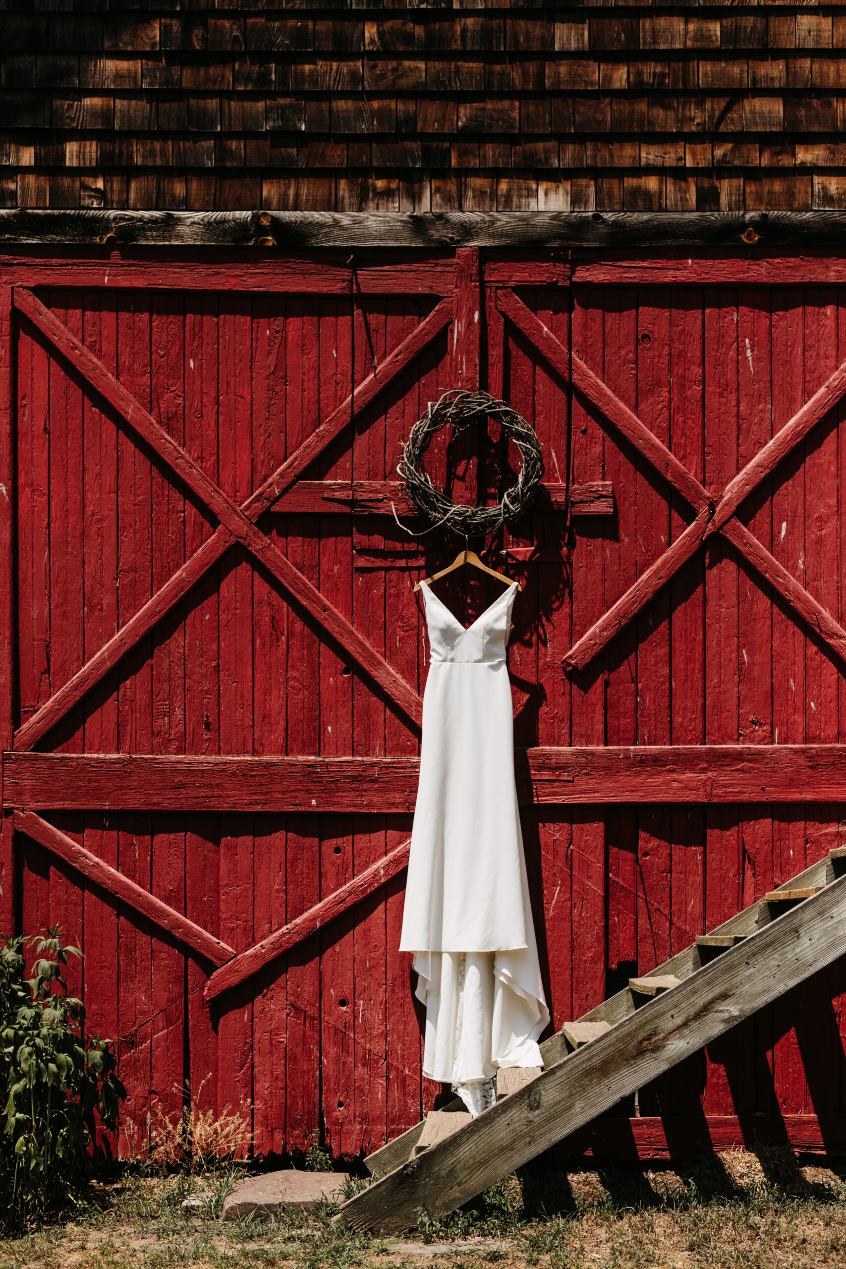 wedding dress red barn door