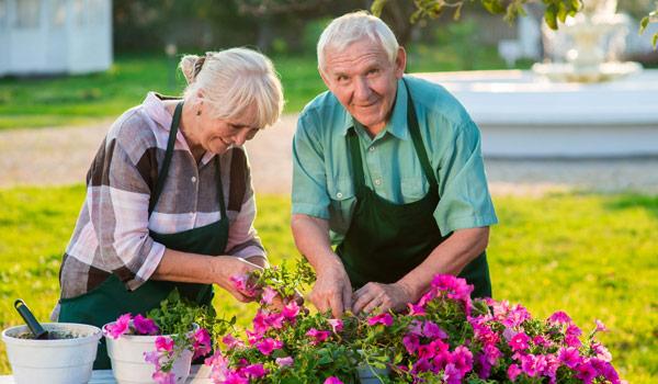 mature-couple-garden faucet grip