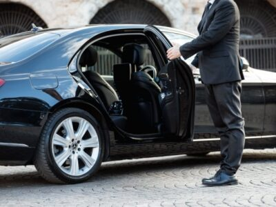 shuttle-service-from-airport-to-city-center-luxury-cars-serbia-e1536587326608-600x400
