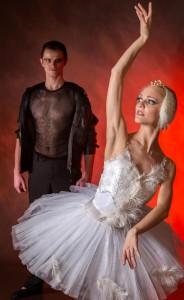 Alexsey Kuznetsov and White Swan Julia Ponomareva are a real-life husband-wife team.