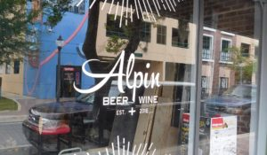 The front window of Alpin.