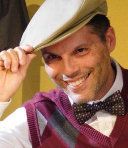 A sales pitchman Jorge Dejesus) sings the praises of radium watches.