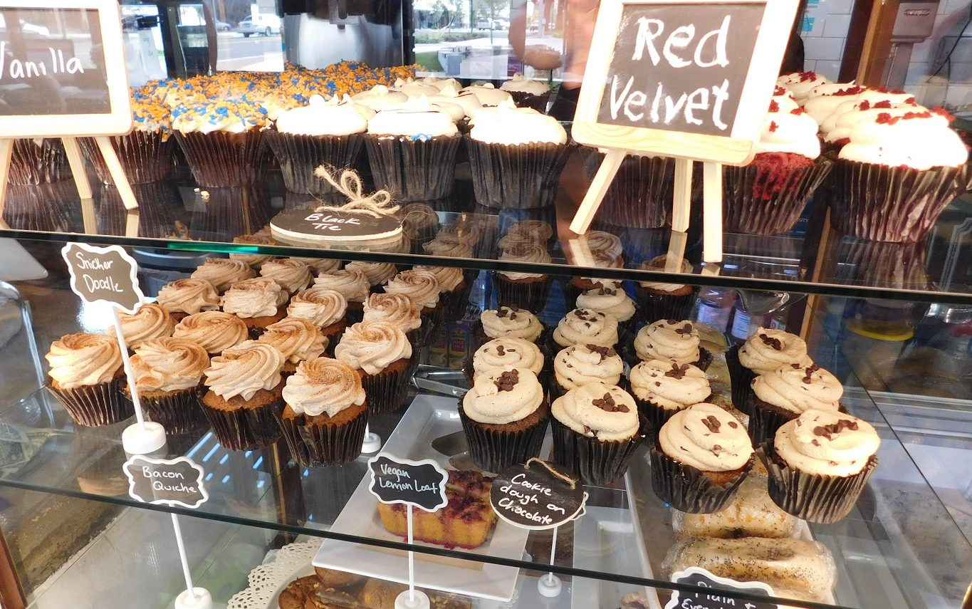 Some of the cupcakes selection offered at Patticakes. Photograph by Gainesville Downtown)