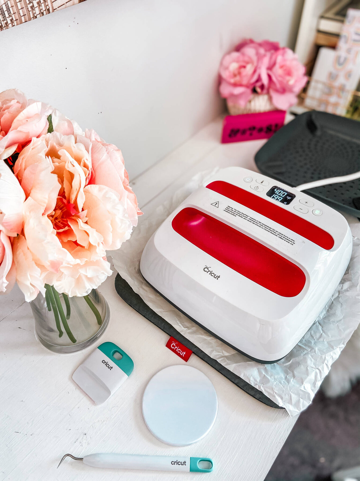 3 FUN VALENTINE'S DAY PROJECTS WITH CRICUT