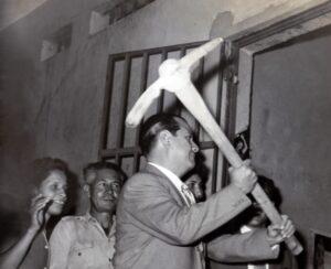 1959 Enero 8. Inicio de la demolición de la cárcel El Obispo