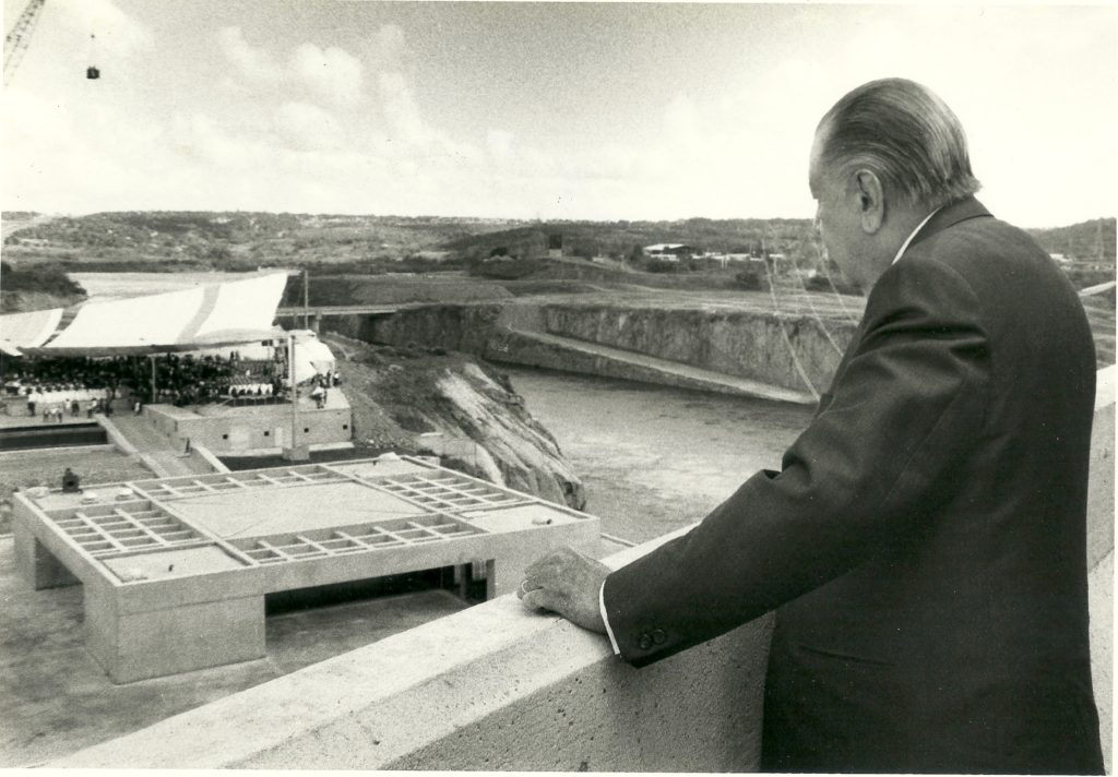 Rafael Caldera 1997. Represa Macagua II en Puerto Ordaz, estado Bolívar.