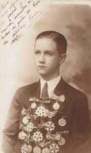 1931. Octubre, 16, premiación al finalizar el bachillerato en el Colegio San Ignacio, Caracas.