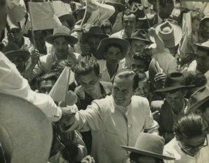 Visita a Seboruco durante la campa–a electoral de 1958.