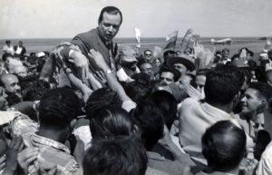 1958. Febrero, 1. Llegada al aeropuerto de Maiquetía después de su corto exilio.