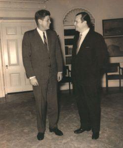 1962. Junio. En la Casa Blanca, Washington, con John F. Kennedy.