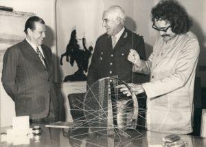 1973. Febrero 8. En la Casa Rosada con el Presidente Alejandro Lanusse y el artista cinético Jesús Soto.