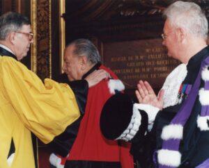 1998. Marzo, 22. Doctorado Honoris Causa La Sorbona, París.