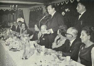 1969. Abril, 25. Cena agasajo a la Promoción Caracciolo Parra León en La Casona. (1)