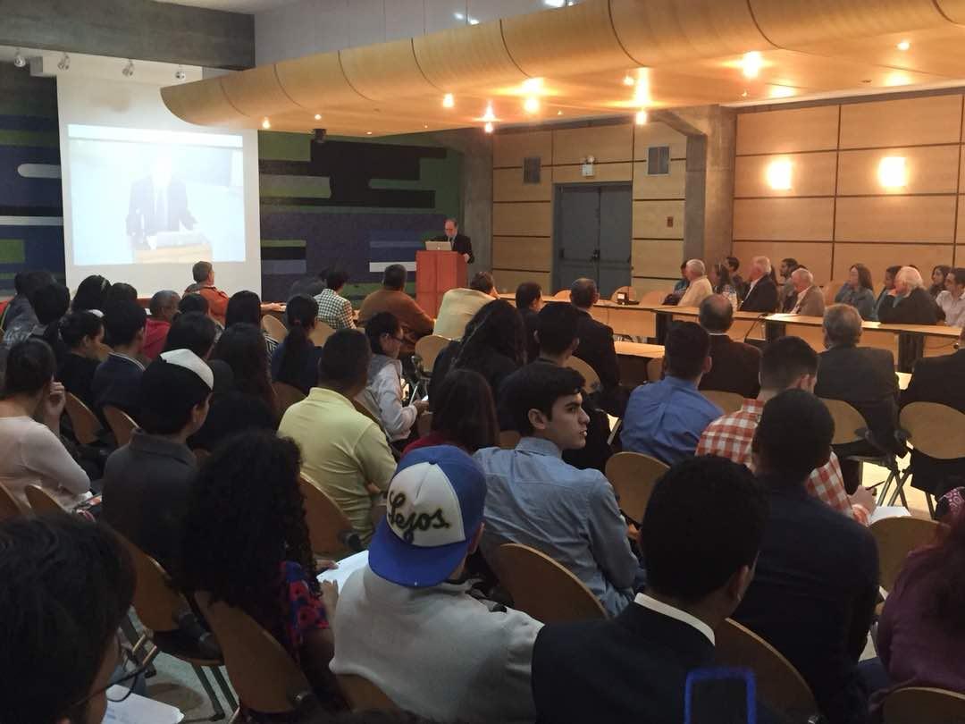 2018. Febrero 21: A casa llena foro en la UCV, «Del Militarismo a la Libertad»