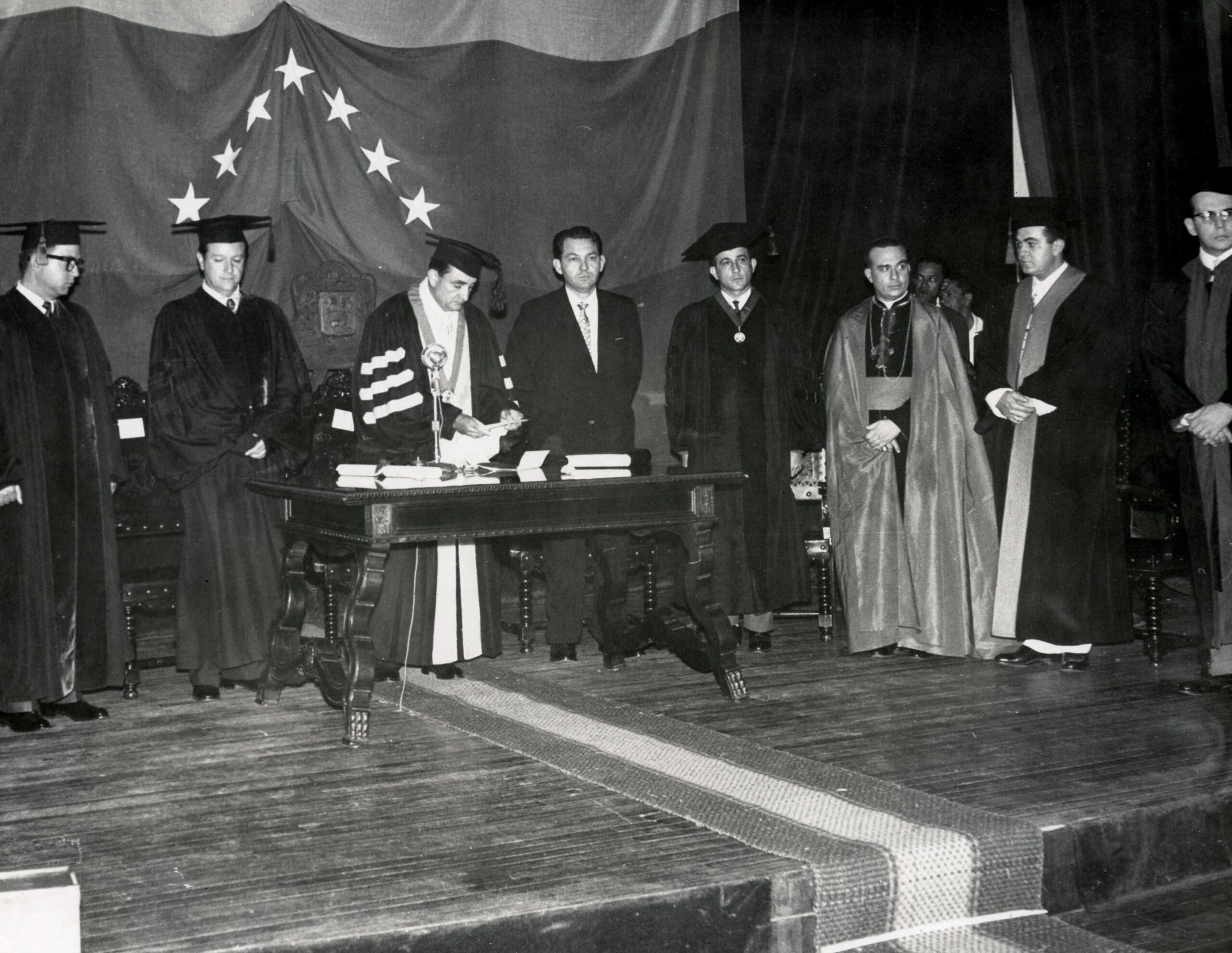 1966. Junio, 16. El Nacional: Universidad y política
