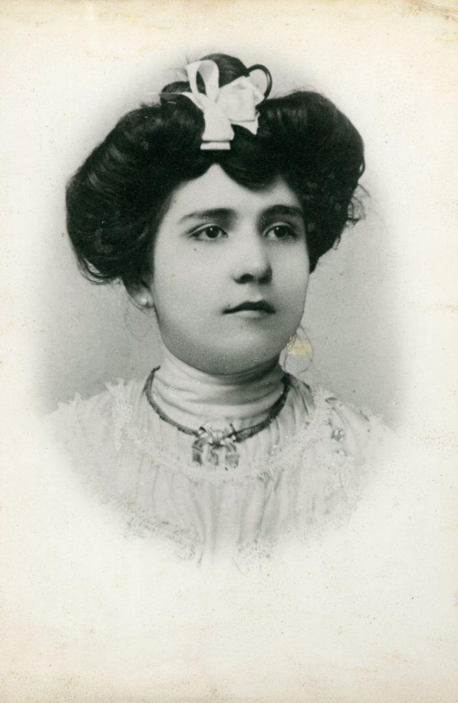 1908. María Eva Rodríguez Rivero.