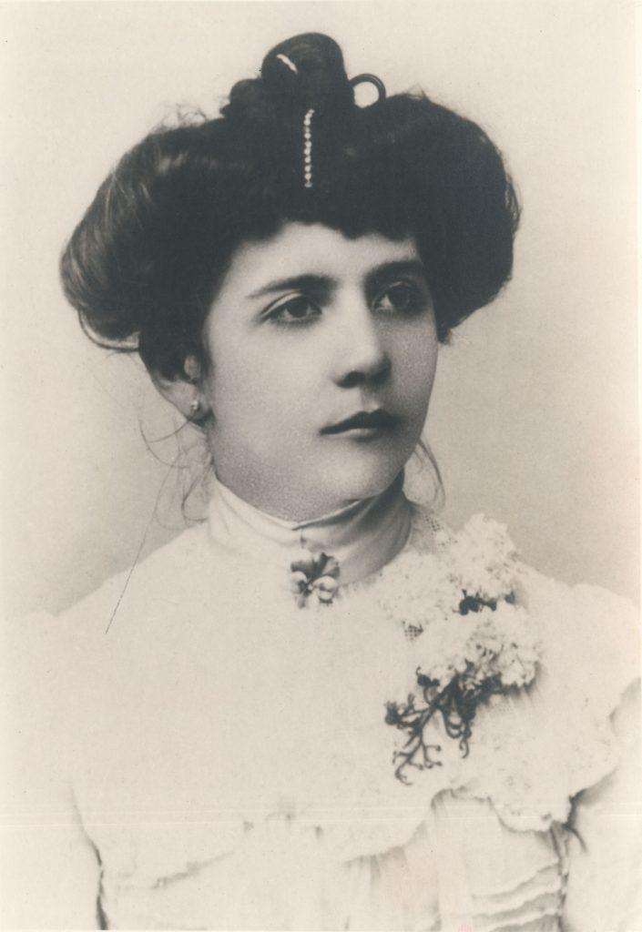 1908. Rosa Sofía Rodríguez Rivero.