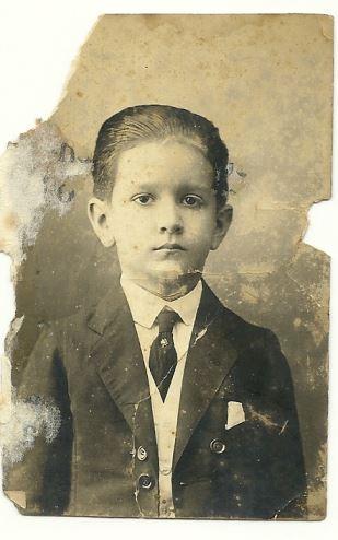 1923. A los siete años.