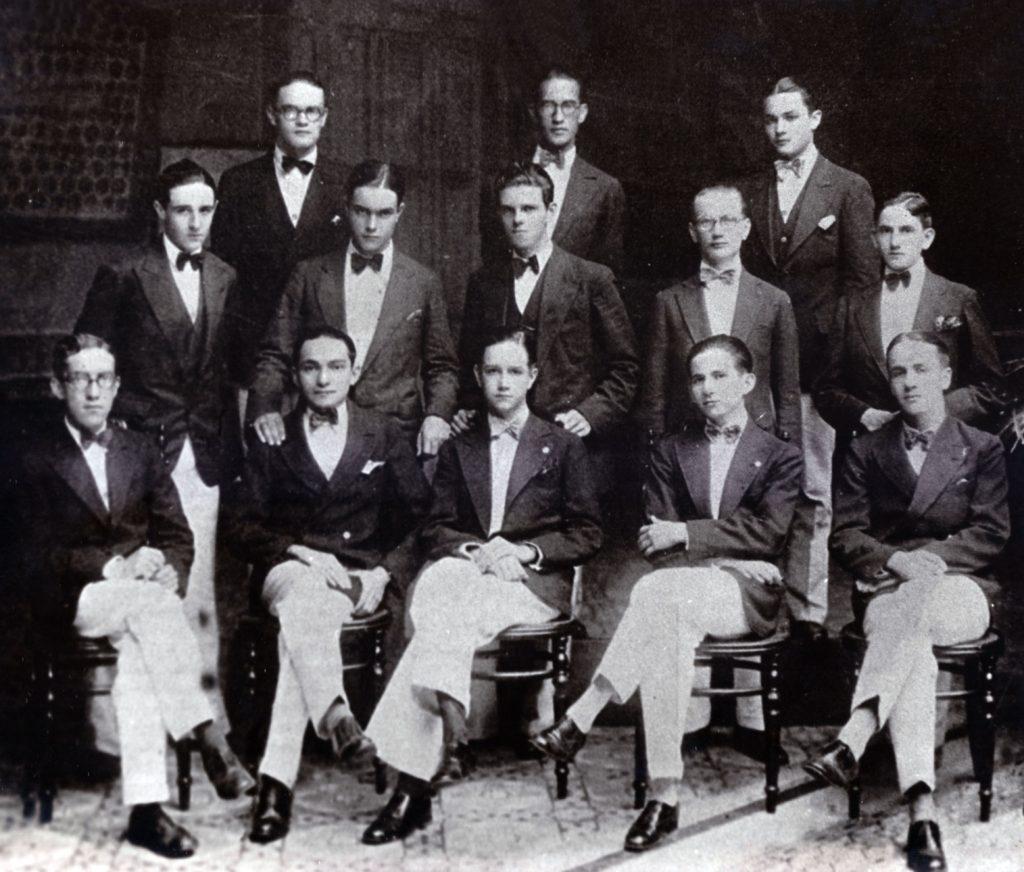 1931. Promoción de bachilleres del Colegio San Ignacio de Loyola.