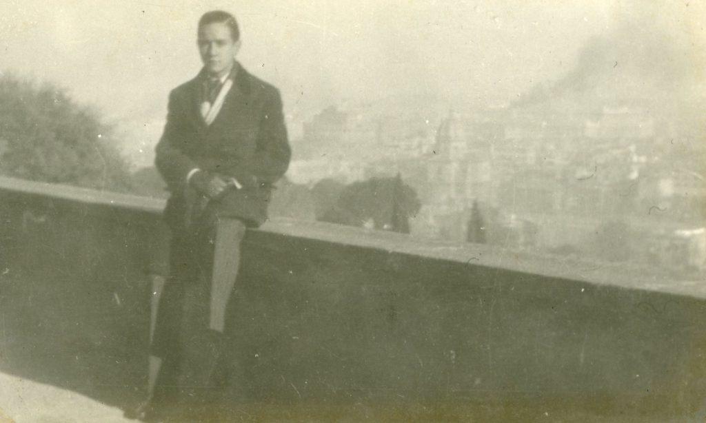 1933. Diciembre, 24. En Roma.