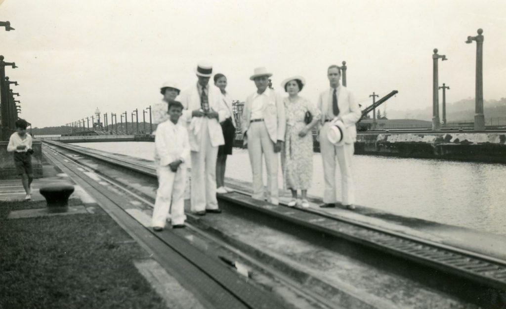 1935. Octubre, 12. Canal de Panamá.