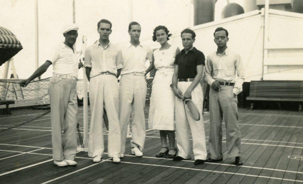 1935. Octubre, 22. A bordo del buque Colombia , con Margaret Henríquez y Leopoldo Márquez.