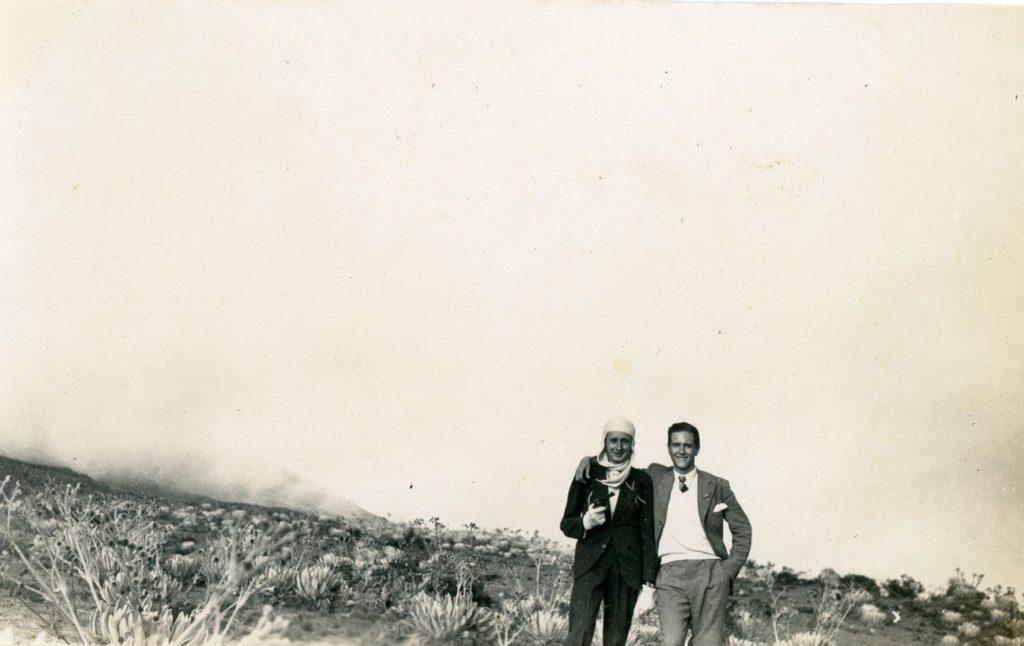 1936. Laguna de Mucubají, páramo merideño, la reconciliación después de imitar el duelo de Rufino, con Pedro José Lara Peña.