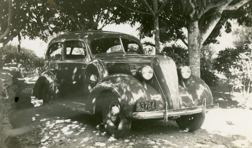 1936. Primer automóvil de Rafael Caldera, el cual bautizó como «Salón Blue».