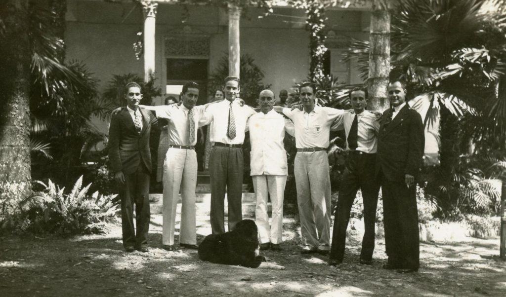 1936. Quinta Campoamor, Los Chorros, entre otros Tomás Liscano, Rafael Alberto Rodríguez Navarro y Pedro José Lara Peña.