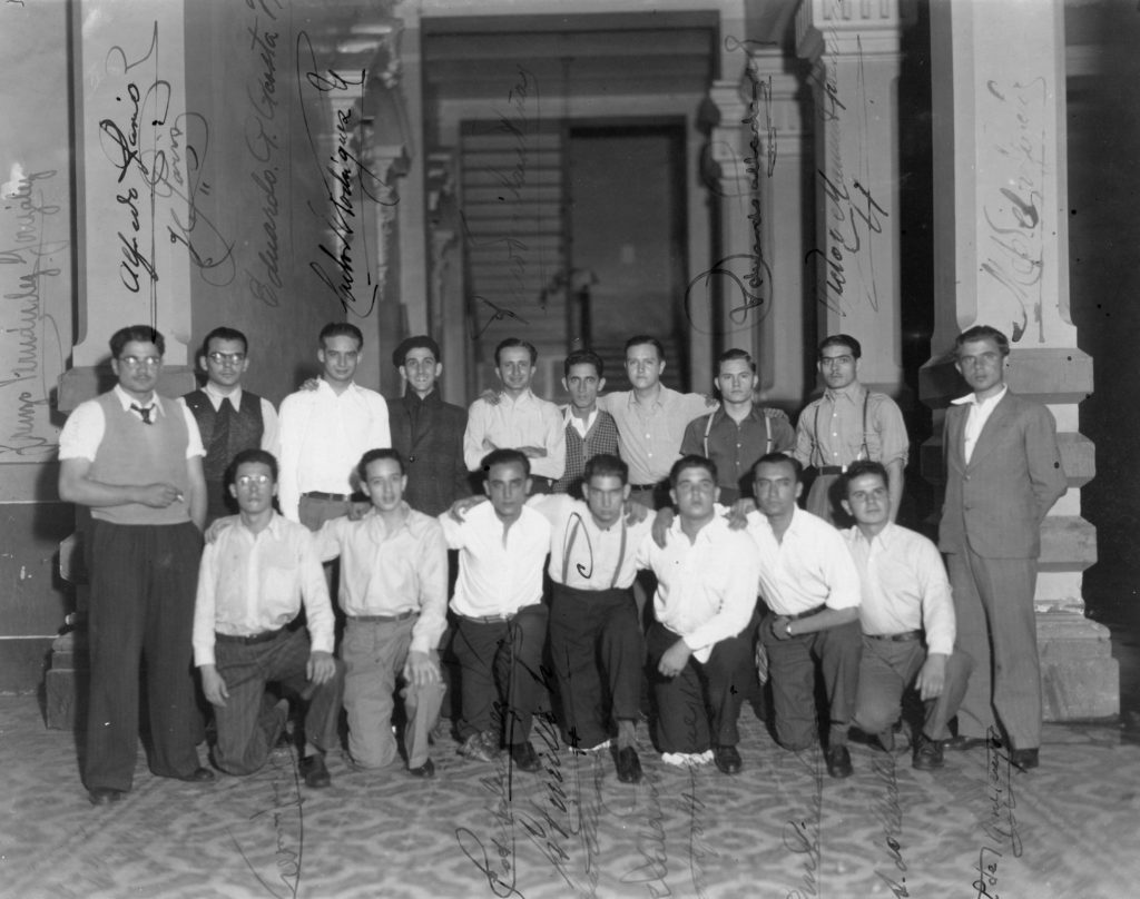 1937. Diciembre, 24. Estudiantes de la UNE detenidos por el asunto Fantoches.