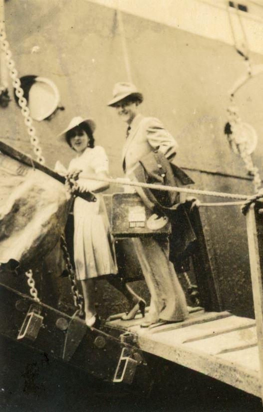 1941. Agosto, 14. Alicia Pietri y Rafael Caldera al comenzar su Luna de Miel en Estados Unidos y Canadá.