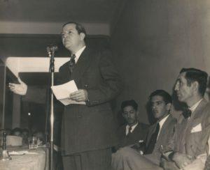 1946. Enero, 13. Acto fundacional de COPEI. A su lado, Gonzalo García Bustillos, José Antonio Pérez Díaz y Edecio La Riva Araujo.