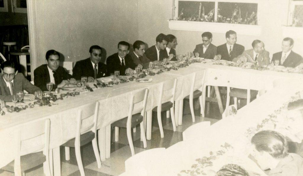 1946. Mayo, 8. Conmemoración de 10 años de la UNE en el Hotel Waldorf, Caracas.