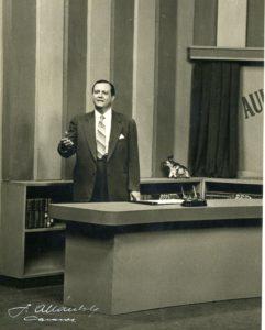 1956. Programa en Televisa Aula de Conferencias TV.