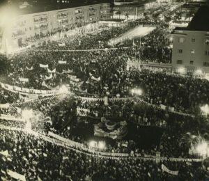 1958. Acto de cierre de la campaña electoral en El Silencio.