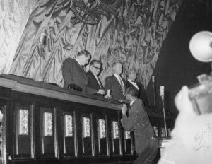 1959. Enero, 19. En el Congreso Nacional, con Gonzalo Barrios, Jóvito Villalba y Gustavo Machado.