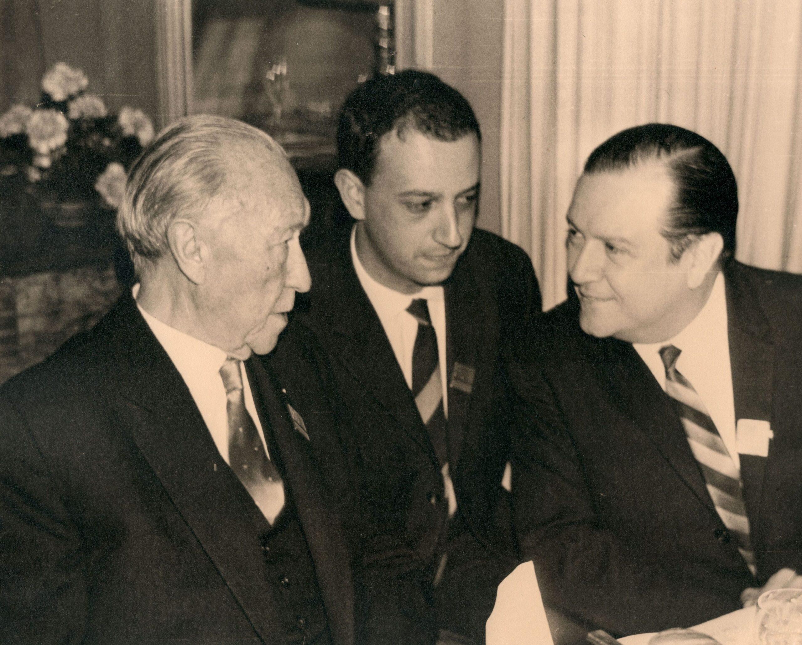 1965. Konrad Adenauer y Rafael Caldera en Dusseldorf, Alemania.