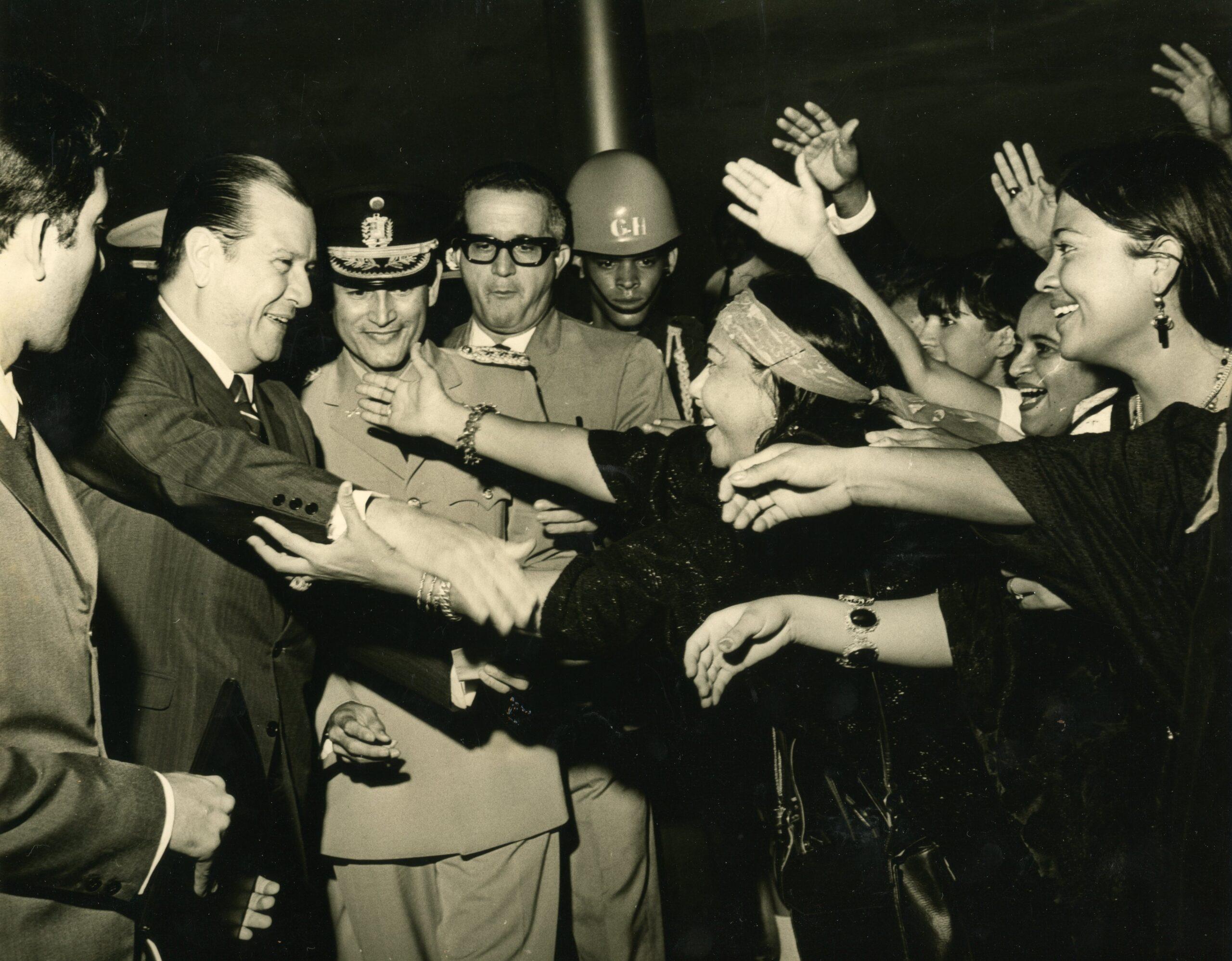 1968. Diciembre, 11. Al salir del CSE, proclamado como Presidente Electo.