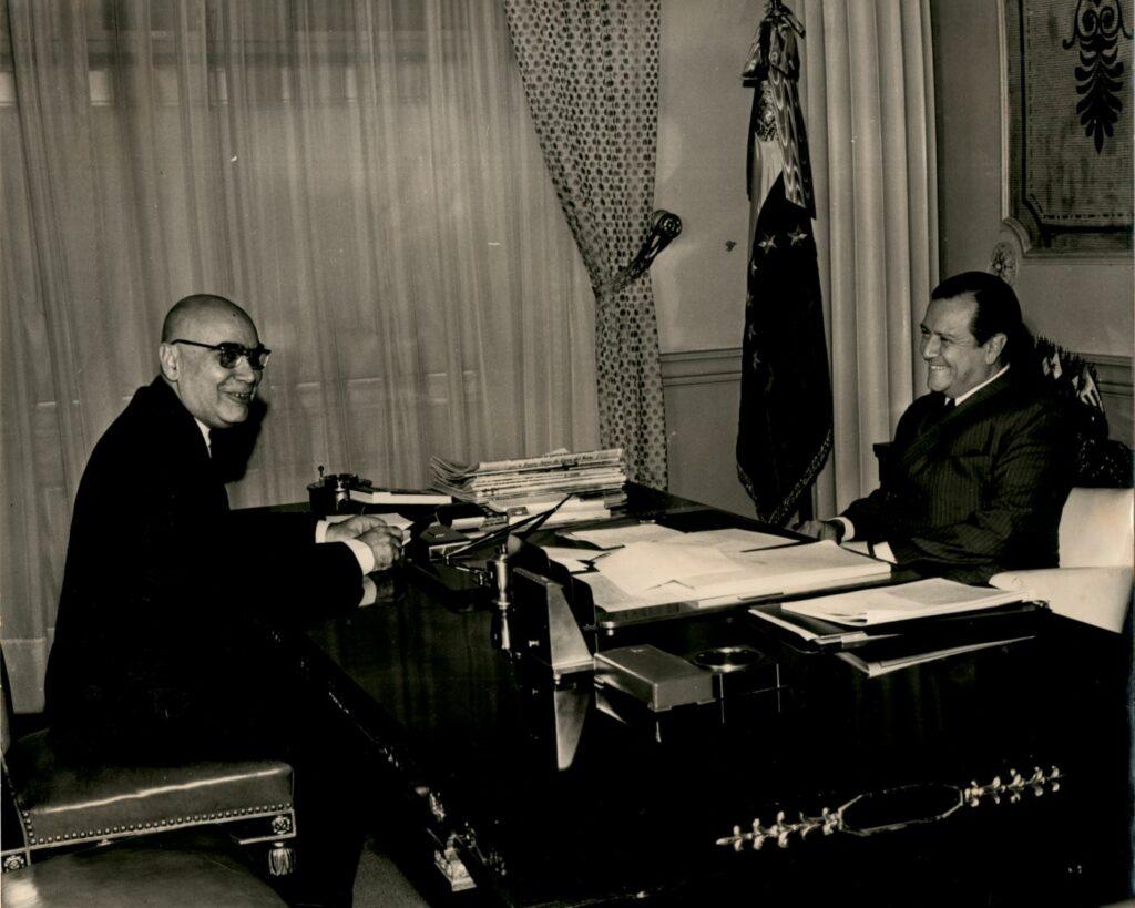1969. Abril, 14. Con el doctor Arnoldo Gabaldón.